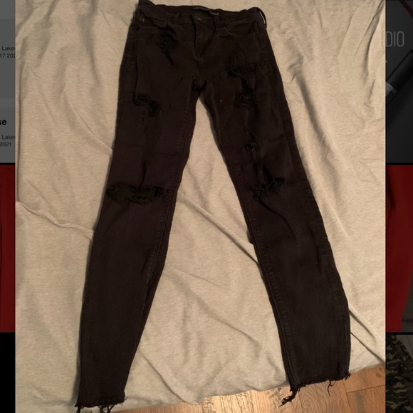 Express black ripped jeans!